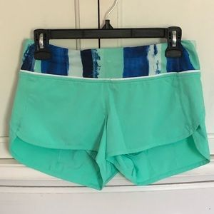 EUC Lululemon Tiffany Blue Shorts Sz 4